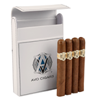 AVO Classic & Travel Case Combo  4 Cigars